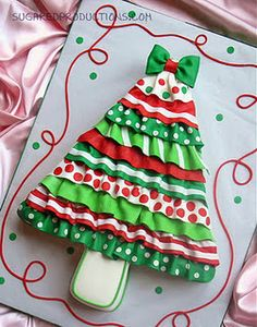 Ruffled Christmas Tree cake tutorial