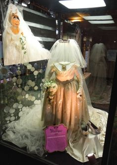Forget royal weddings and Kardashian cash ins, the wedding of the century finally happens in Muppets Most Wanted , that of ' Miss Piggy' a. Vivienne Westwood Wedding Dress, Hollywood Gowns, Muppets Most Wanted, Disney Enchanted, Miss Piggy, Kermit The Frog, Disney Movies, Disney Characters, Movie Costumes