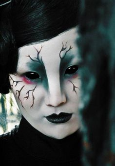 Halloween make-up ideas are the creepy make-up idea is particularly suitable for Halloween women. 60 Creepy Makeup Ideas for women – Makeup Sugar Skull. [...]