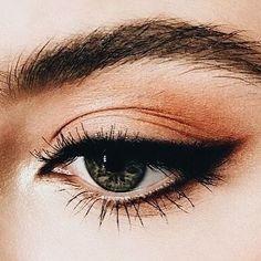 Nature eye makeup