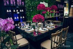 Yonezawa Locações:  A cadeira Dior vai além do clássico (o nome do modelo já diz tudo), agregando ainda mais elegância e riqueza de detalhes à decoração… Perfeitas para compor ambientes com toque maisart nouveau, provençal e retrô.