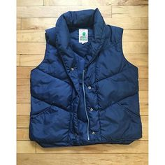 Vintage Sierra Designs (circa down vest. Women's 10 (fits like a M). Great for fall! And has a lifetime warranty. Premium Brands, Down Vest, Sell Items, Sd, Outdoor Gear, History, Fall, Fitness, Jackets