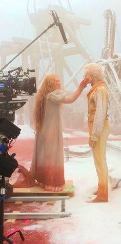 "David Marti (Special fx make-up artist): ""May of 2014... I took this pic on the last days of shooting Crimson Peak and it's one of my favorites."" Source: https://www.instagram.com/p/_kW5VkmQ2Q/ Full size image: http://ww3.sinaimg.cn/large/6e14d388gw1ez8b3bokvhj20u00mfn01.jpg"