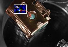 A quantum logic gate combining light and matter | Scientists at Max-Planck-Institute of Quantum Optics (MPQ) have successfully achieved a quantum logic gate using a single photon and a single atom.