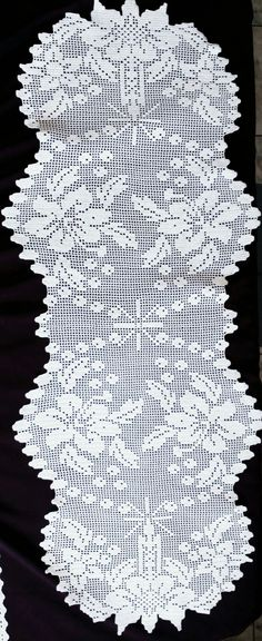 This Pin was discovered by Jos Filet Crochet Charts, Crochet Diagram, Crochet Stitches, Knit Crochet, Crochet Table Runner, Crochet Tablecloth, Crochet Doilies, Crochet Dress Girl, Crochet Clothes