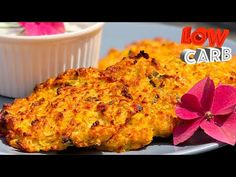 Low carb Cuketové placičky bez sacharidů Zucchini patties without carbohydrates - YouTube Low Carb Keto, Low Carb Recipes, Lchf, Macaroni And Cheese, Food And Drink, Ethnic Recipes, Low Carb, Mac And Cheese, Low Calorie Recipes