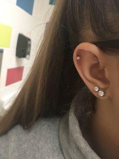 Verliebt in mein Helix-Piercing ! :)) In love with my helix piercing! :)) V… Verliebt in mein Helix-Piercing ! :)) In love with my helix piercing! :)) Verliebt in mein Helix-Piercing ! Piercing Oreille Cartilage, Piercing Face, Double Ear Piercings, Ear Peircings, Double Cartilage Piercing, Smiley Piercing, Cute Ear Piercings, Cartilage Earrings, Piercings Rook