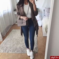 Best Outfits chic fashion outfits ideas casual work clothes womens fashion amazing clothes how to wear casual outfits Mode Outfits, Trendy Outfits, Teen Fashion, Fashion Outfits, Womens Fashion, Ropa Semi Formal, Spring Outfits, Winter Outfits, Mode Bcbg