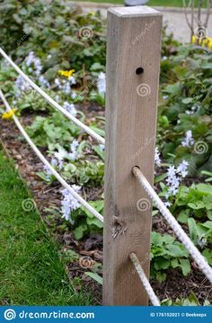Wooden Garden Edging, Small Garden Fence, Small Space Gardening, Garden Fencing, Garden Spaces, Backyard Greenhouse, Backyard Fences, Backyard Landscaping, Rope Fence