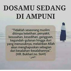 "FAKTA AGAMA ISLAM di Instagram ""-  Jangan pernah mengeluh, sebab boleh jadi melalui itu dosa-dosa kita berguguran."" Hadith Quotes, Muslim Quotes, Quran Quotes, Me Quotes, Reminder Quotes, Self Reminder, Islamic Inspirational Quotes, Islamic Quotes, Islam Muslim"