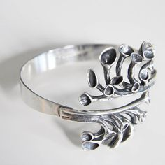 "Hannu Ikonen sterling silver "" reindeer moss"" bangle, Valo Koru Finland Now available in my E - nordicjewels Nordic Chic, Scandinavian Modern, Retro Chic, Modernism, Finland, Reindeer, My Etsy Shop, Silver Rings, Jewelry Design"