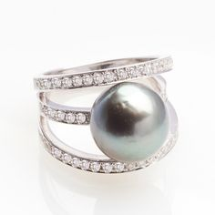 Tahiti Pearl and Diamond Ring #fancycolordiamonds #diamonds #finejewelry #diamondring  #langermandiamonds #pearl