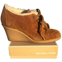 Pre-owned Michael Kors Suede & Shearling Wedge Brown Tan White Boots ($158) ❤ liked on Polyvore featuring shoes, boots, brown tan white, white wedge shoes, michael michael kors shoes, suede boots, wedges shoes and tan boots