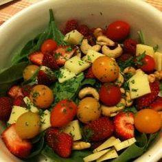 Salada de espinafre e frutas vermelhas