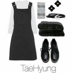 Looks Feminine of BTS # Feminina # amreading # books # wattpad Korean Fashion Kpop Inspired Outfits, Bts Inspired Outfits, Kpop Fashion Outfits, Girls Fashion Clothes, Swag Outfits, Korean Outfits, Chic Outfits, Trendy Outfits, Girl Outfits