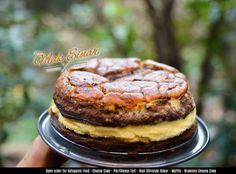Berbukalah dengan yang laziiizz   wangi coklat dan harum keju sedari pagi sudah menggoda.. alhamdulillah setelah seharian muter cari bahan bisa berbuka dengan brownies cheese cake  hmmm i love chocolate and cheese   #DapurKetoMakEinar  #browniescheesecake #brownies #cheesecake #keto #lchf #fastosis #ketobali