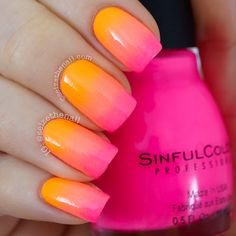 Aaaawwww summer neon gradient!! I've seen a lot of these gradients the past few days, for example at @Keshia Lilly @nailsandpolkadots @nailsofjessiek ☀️ It's gorgeous!!!