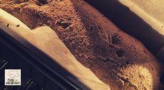 Low Carb Rezept für Low-Carb Chia-Leinsamenbrot mit Hüttenkäse. Wenig Kohlenhydrate und einfach zum Nachkochen. Super für Diät/zum Abnehmen.