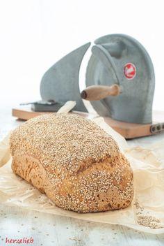 Cauliflower bread recipe - try it and enjoy! Blumenkohlbrot - einfaches Rezept!