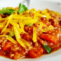 Quinoa made hearty. It's easy to make this vegetarian, just omit the ground be. Quinoa made hearty. It's easy to make . Chili Recipes, New Recipes, Dinner Recipes, Healthy Recipes, Favorite Recipes, Quinoa Chili, Chili Chili, Bean Chili, Kitchens