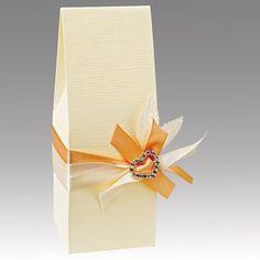 5 Milchkarton Geschenkschachtel creme von Der Schachtel Shop auf DaWanda.com