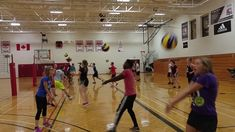 ForearmRelayRace: #phed #physicaleducation #physical education #homeschool #volleyball Net Games, Relay Races, Badminton, Physical Education, Volleyball, Physics, Homeschool, Basketball Court, Kicks