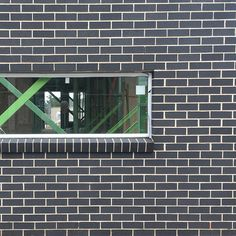 PGH Espresso crisp white @stegbar_au windows Exterior House Colors, Bricks, Espresso, Crisp, Sweet Home, Homes, Windows, Street, Inspiration