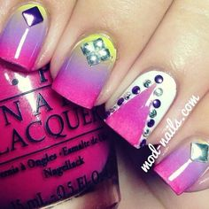 Gradients Studded Nails