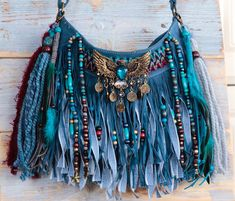 New one of a kind styles are now online! Source by aliso_bay - - New one of a kind styles are now online! Source by aliso_bay Source by Hippie Purse, Hippie Bags, Boho Bags, Handmade Purses, Handmade Handbags, Sacs Design, Denim Purse, Denim Crafts, Fringe Bags
