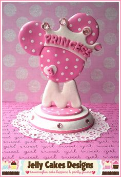 Princess Minnie Topper in pink by Jelly Cakes Designs, via Flickr