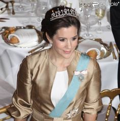 Danish Ruby Jubilee - Diplomatic Corps Dinner: HRH The Crown Princess of Denmark (01 Feb 2012) [PHOTO CREDITS: PurePeople]