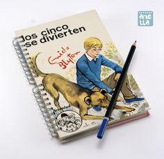 Libreta hecha a mano reciclando las tapas de un viejo libro usado de «Los Cinco».