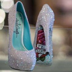 Fire or just Heels? . . . . . . . . #fashion #fashiondiaries #fashionista…