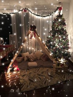 Romantic Home Dates, Romantic Date Night Ideas, Romantic Surprise, Romantic Room, Romantic Things, Balloon Decorations Party, Birthday Decorations, Christmas Swags, Christmas Diy