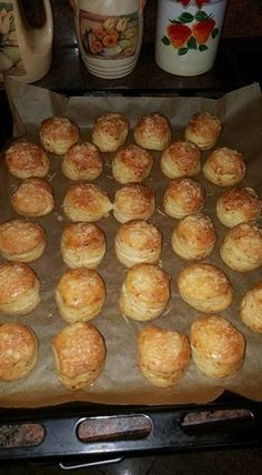 Cheese and yeast scones No Salt Recipes, Baking Recipes, Dessert Recipes, Desserts, Pogaca Recipe, Easy Sweets, Savory Pastry, Hungarian Recipes, Bread And Pastries