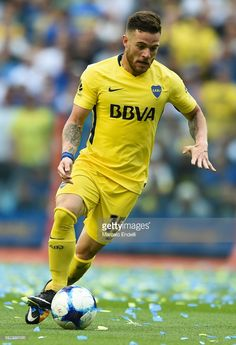 Nahitan Nandez of Boca Juniors drives the ball during a match between Boca Juniors and Belgrano as part of Superliga 2017/18 at Alberto J. Armando Stadium on October 29, 2017 in Buenos Aires, Argentina.