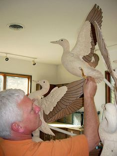 Jim Robison - Wings In Wood Wildfowl Sculptures Fish Wood Carving, Wood Carvings, Decoy Carving, Wood Carving Patterns, Wooden Bird, Vernon, Wood Burning, Eagles, Feathers