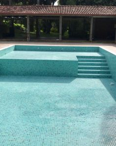 22 amazing minimalist pool decoration ideas for your backyard 13 Backyard Pool Designs, Small Pools, Swimming Pools Backyard, Small Backyard Landscaping, Swimming Pool Designs, Piscina Rectangular, Kleiner Pool Design, Rectangle Pool, Diy Pool