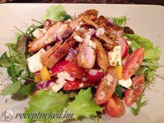 Mozzarellás csirkesaláta Meat Recipes, Salad Recipes, Cooking Recipes, Healthy Recipes, Tasty, Yummy Food, Hungarian Recipes, Light Recipes, No Cook Meals