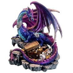 Treasure Seeker Dark Legends Dragon Figurine