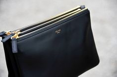 Celine - the luxe mini crossbody bag. Trio Bag Celine, Celine Clutch, Celine Handbags, Clutch Bags, My Bags, Purses And Bags, Outfit Trends, Mini Crossbody Bag, Men Accessories