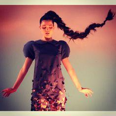 Vestido desintegrado en mariposas diseñado por Escuela Argentina de Moda para #EstadosDeConciencia  Ph. Silvina Frydlewsky