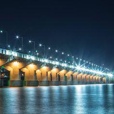 Han river #seoul #southkorea #bynight #amazing #janoskim #kimsguide #neverenough