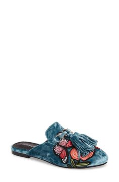 Shop for Women's Apfel Flower Tassel Loafer Mule by Jeffrey Campbell at ShopStyle. Women's Mules, Loafer Mules, Mules Shoes, Flat Mules, Shoes Sandals, Urban Chic Fashion, Aqua Shoes, Mocassins, Tassel Loafers