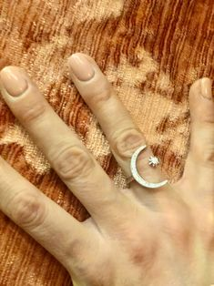The morning after. When all your drunken photos are of hands and ears. Fashion Jewellery, Fashion Rings, Little Things, Jewelry Collection, Latest Fashion, Ears, Silver Rings, Photos, Pictures