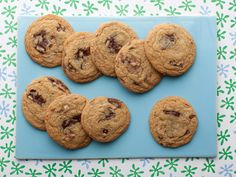 Throwdown Chocolate Chip Cookies Recipe : Bobby Flay : Food Network - FoodNetwork.com