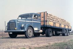 Volvo T-57-63  geladen met los verladen zakwerk  foto's - Google zoeken