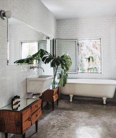 Bathroom goals #atpatelier #atpatelierspaces #batchroom #bathtub #interior