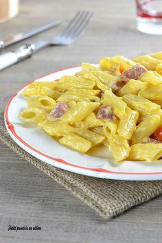 Le penne con salame e pomodorini sono un primo piatto molto gustoso e saporito, ma anche davvero semplice e veloce da realizzare.