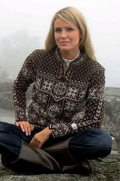 Dale of Norway Peace Sweater (Mocca) Fair Isle Knitting, Knitting Yarn, Norwegian Knitting, Nordic Sweater, Fair Isles, Mocca, Sweater Shop, Sweater Design, Norway